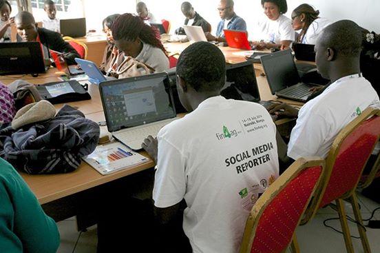 Reporters sociaux de la conférence Fin4Ag14 en salle(Photo crédit: Lorento Khen)